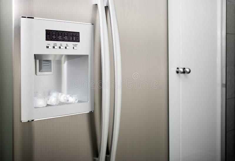 Kühlraum mit Gewindewürfeln stockfotos