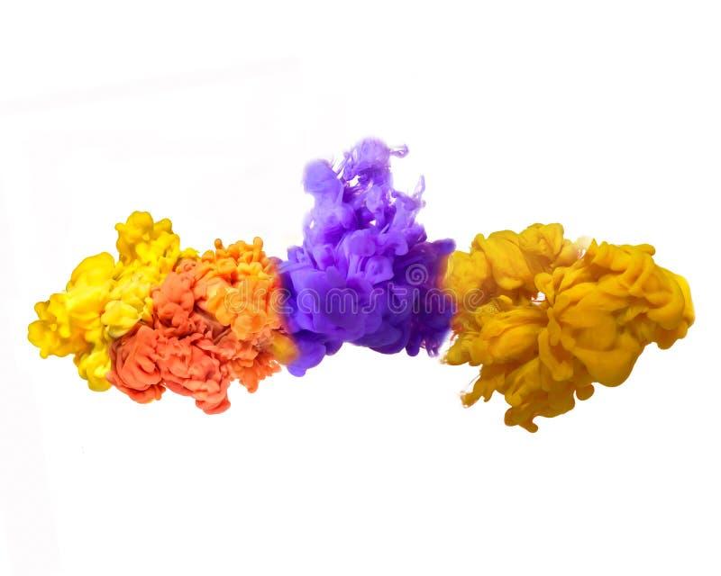 Künstlerische abstrakte mehrfarbige Tinte im Wasser auf einem weißen Hintergrund stock abbildung