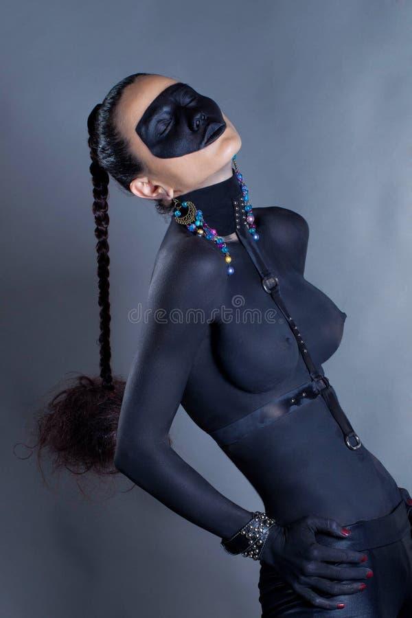 Dunkle Haut nackte schwarze Frauen