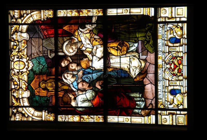 Künstlerisches Kirche-Fenster stockfotos