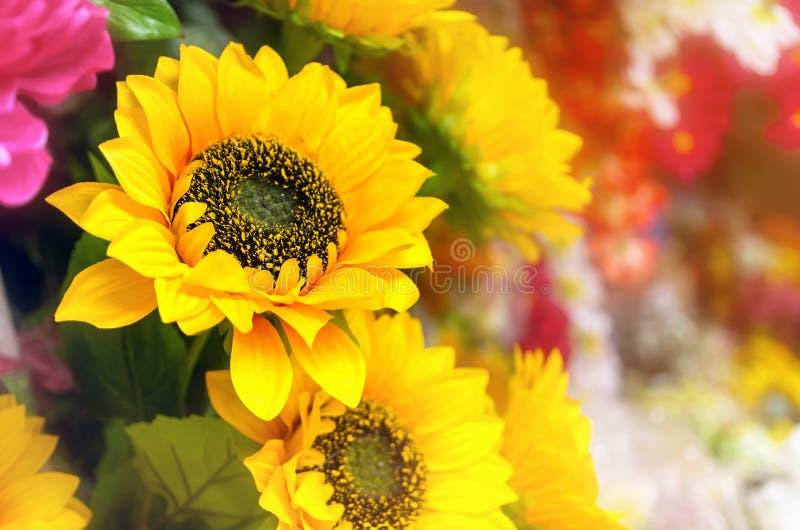 Künstliche Blumen der Sonnenblume stockfotos