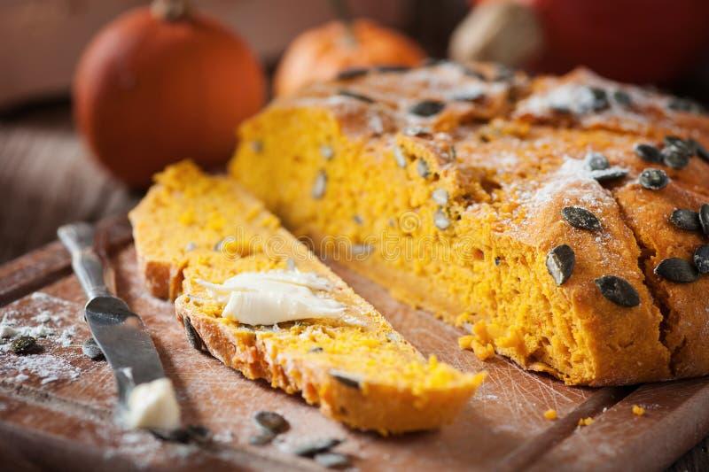 Kürbis-Brot lizenzfreie stockfotos