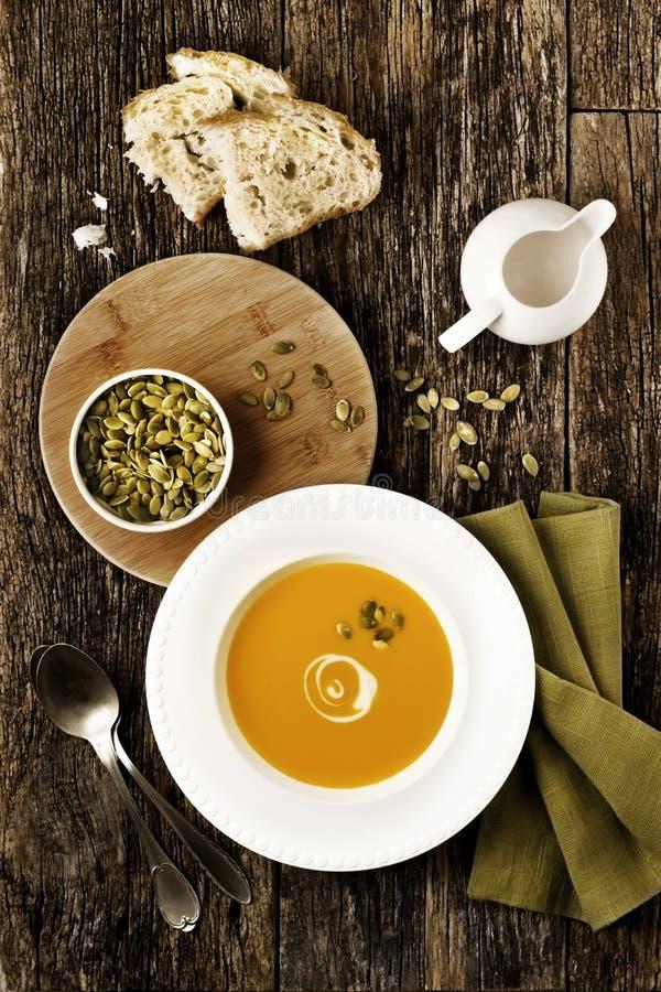 Kürbis-Suppe stockfotografie