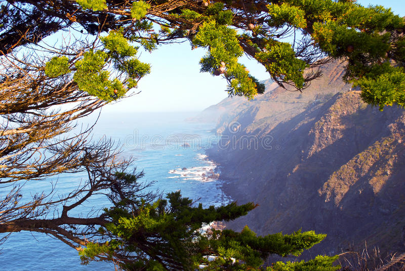 Küste bei Carmel Kalifornien stockfotografie