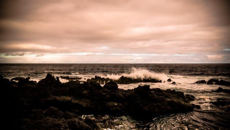Küste der Bucht von Tauben Pombas alias, biscoitos, Terceira-Insel, Azoren, Portugal stockbilder