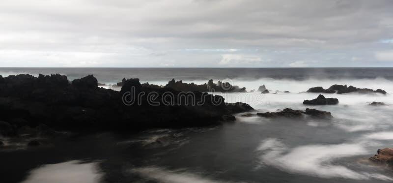 Küste der Bucht von Tauben Pombas alias, Terceira-Insel, Azoren, Portugal lizenzfreies stockbild