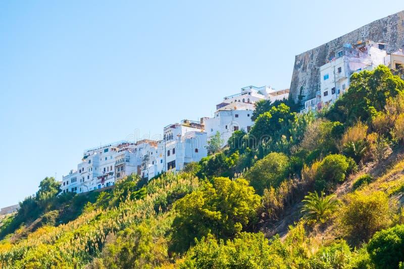 Küste der marokkanischen weißen Stadt Tanger, Marokko, Afrika stockfotografie