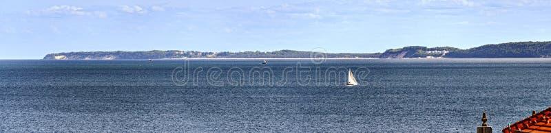Küste von Ruegen lizenzfreie stockbilder