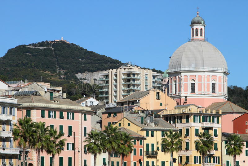 Küstehäuser von Genua, Italien lizenzfreies stockfoto