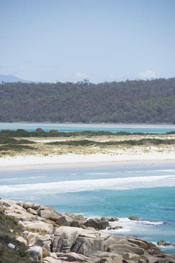 Küsten-Bucht von Feuern Tasmanien, Australien stockfoto