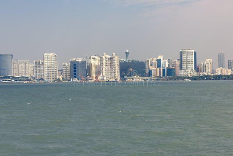 Küsten-Skyline stockbild