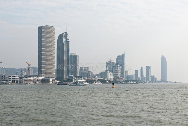 Küsten-Skyline stockfotos