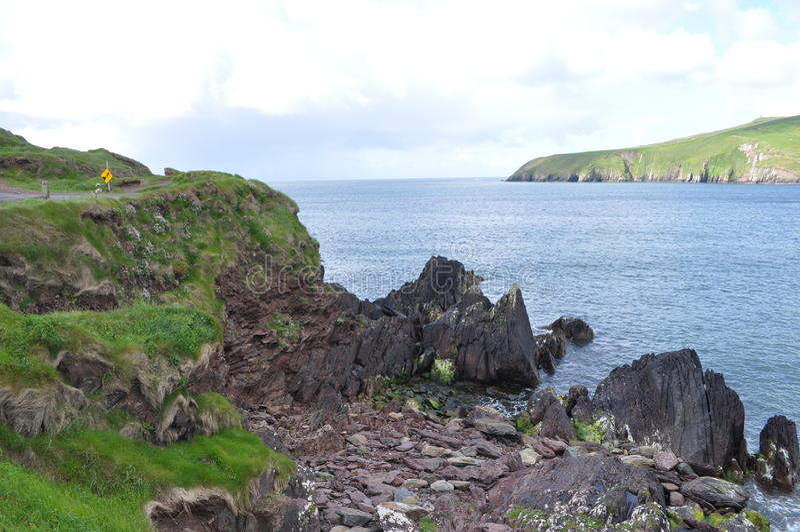 Küstenbucht im Dingle, Grafschaft Kerry, Irland lizenzfreies stockbild