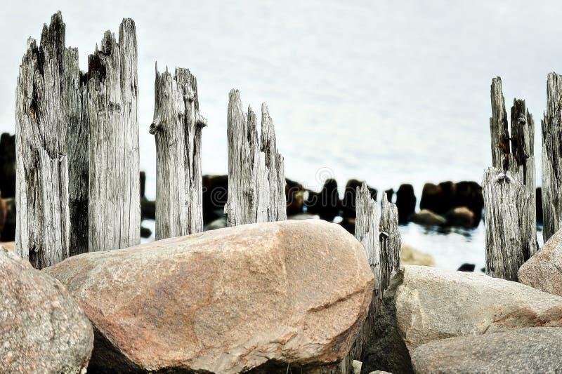 Download Küstenlandschaft stockbild. Bild von landschaft, wolken - 26372995
