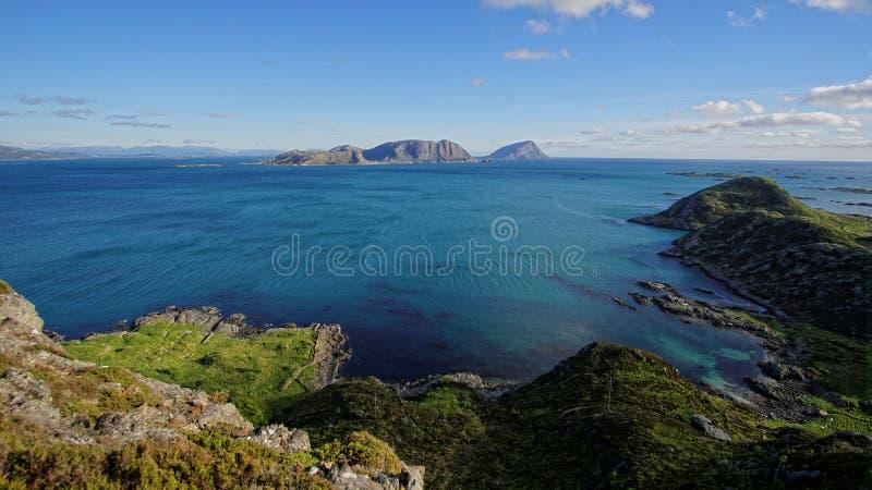 Küstenlinie bei Kalvag, Bremanger, Norwegen lizenzfreies stockbild