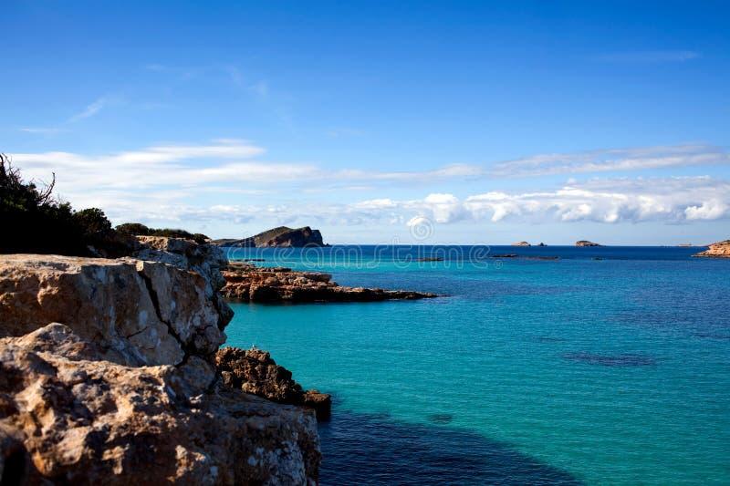 Küstenlinie von Ibiza Insel stockbild