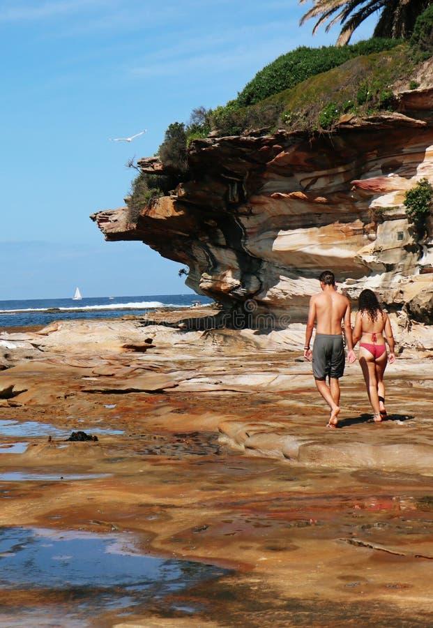Küstenpaar-Reihe - Cronulla-Strand stockfoto