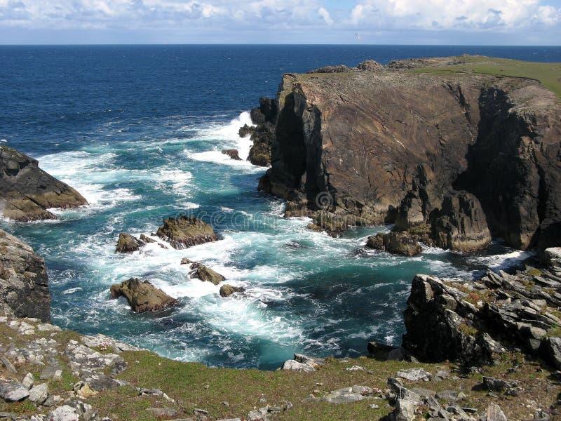 Küstenzeile am Kolben von Lewis (Schottland) lizenzfreie stockfotografie