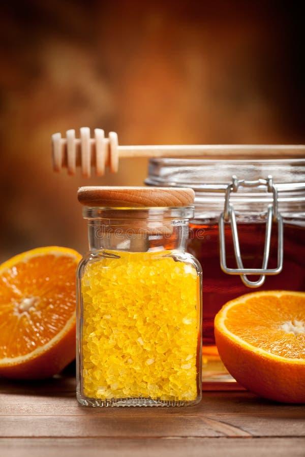 kąpielowa miodowa słoju pomarańcze sól zdjęcia stock