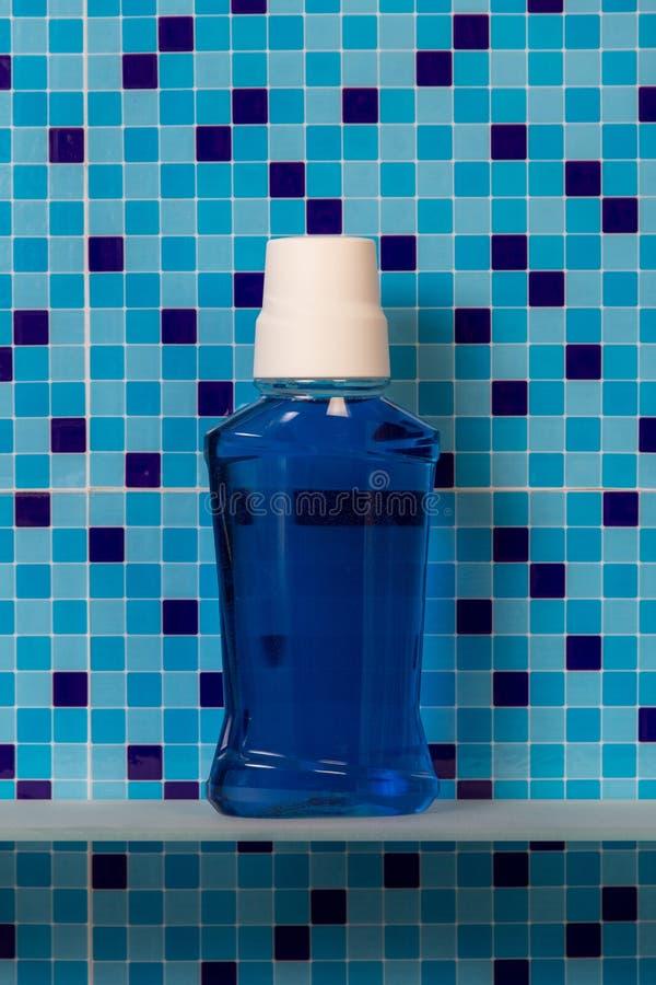 Kąpielowa mouthwash butelka obraz stock