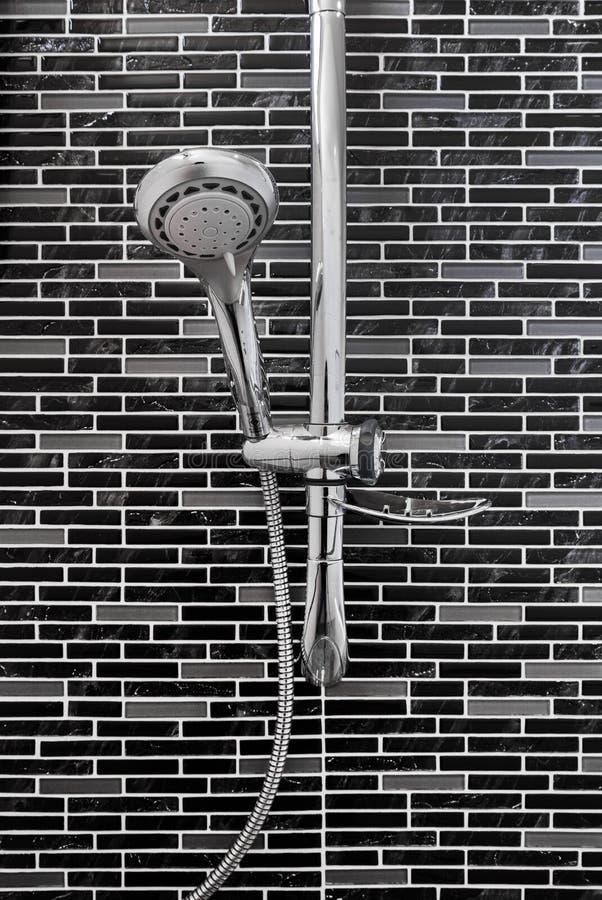 Kąpielowa prysznic na płytki ścianie obrazy royalty free
