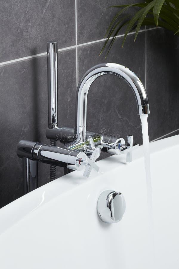 kąpielowy łazienki rówieśnika klepnięcie obraz royalty free