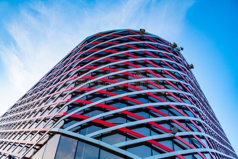 Kąt nowożytny budynek szkło i metal obrazy stock