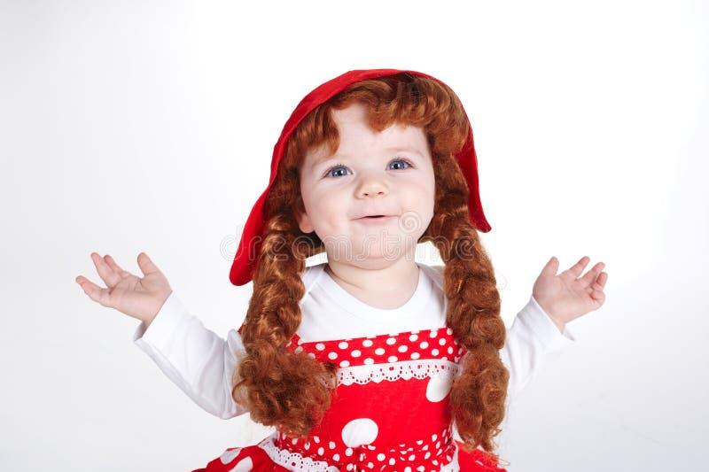 Kędzierzawy czerwony włosiany dziewczyna portret fotografia royalty free