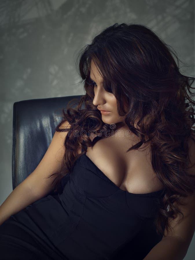 kędzierzawy piękno włosy fotografia stock