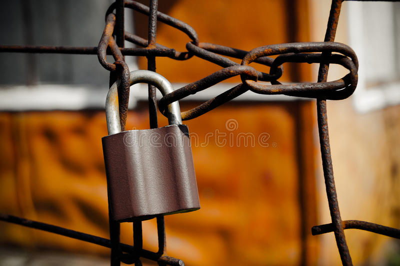 kędziorek na metalu żelaza łańcuchu obrazy stock
