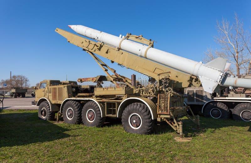9K52 luna jest Radzieckim krótkozasięgowym artylerii rakiety systemem rakietowym (FROG-7) obrazy royalty free