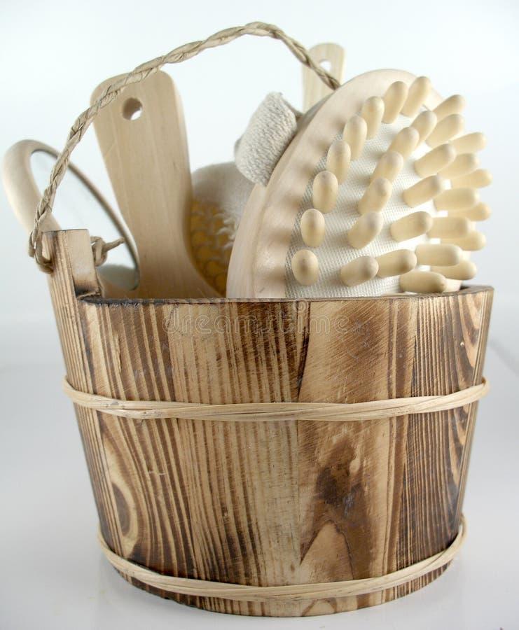 Download Kąpiel zestaw obraz stock. Obraz złożonej z drewniany, balia - 130427