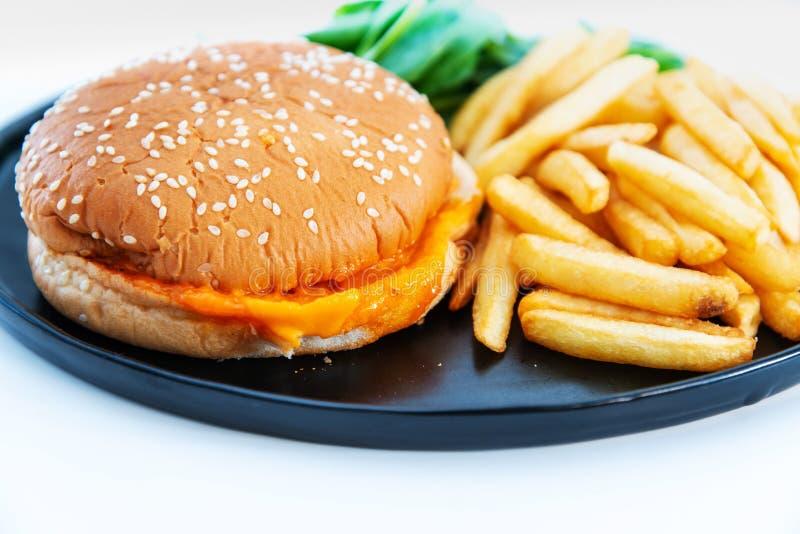 K?seburger - Burger des amerikanischen K?ses lizenzfreie stockbilder