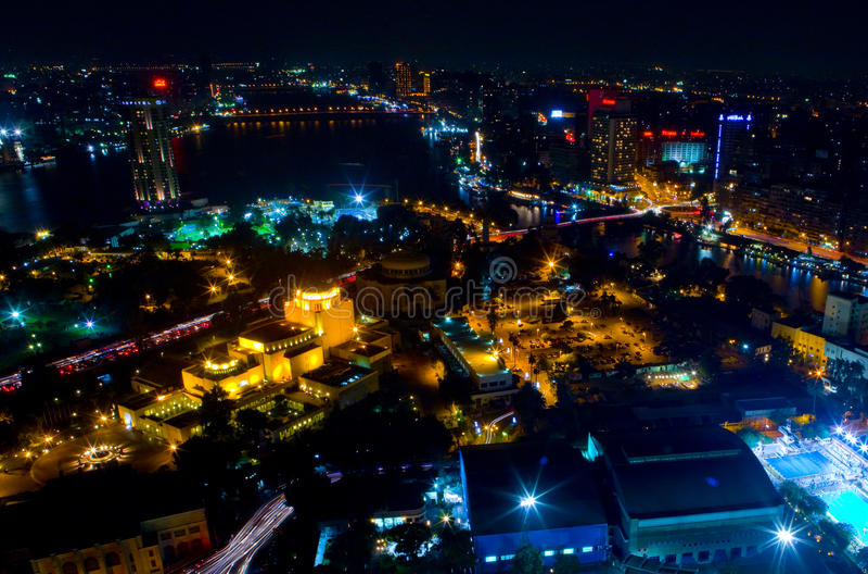 Kaïro bij nacht 3 stock afbeelding