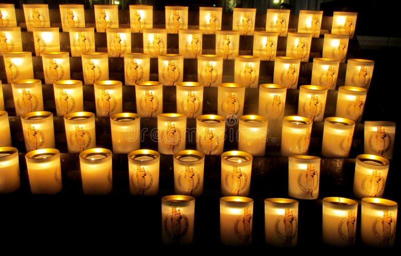Kaarsen in de Kerk royalty-vrije stock afbeeldingen
