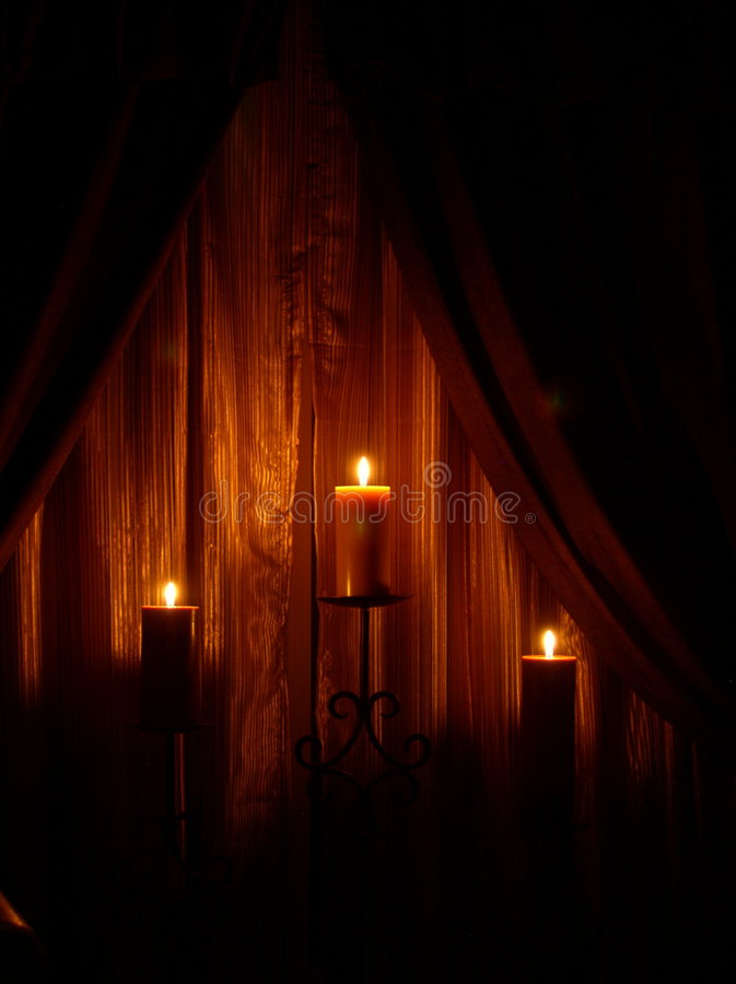 Kaarsen en gordijnen royalty-vrije stock afbeeldingen