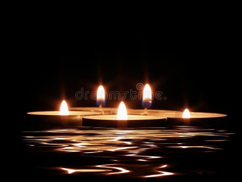 Kaarsen en zijn gedachtengang stock fotografie