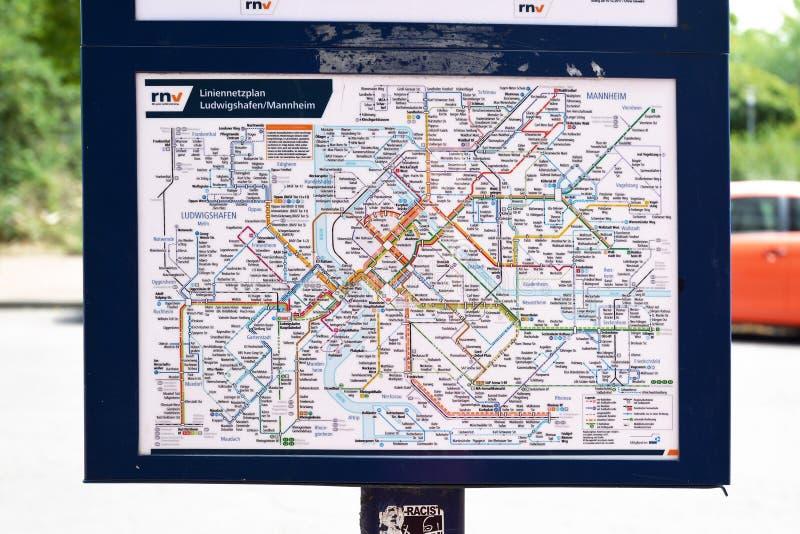 Kaart van alle bus en tramrails in de steden van Mannheim en Ludwigshafen stock foto