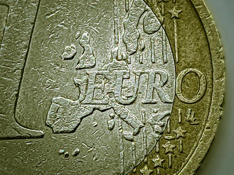 Kaart van Europa in één euromunt Selectieve focus stock afbeelding