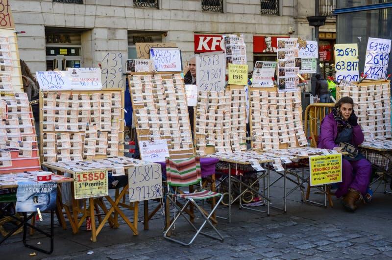 Kaartjesverkopers van de Spaanse Kerstmisloterij in Sol stock afbeelding