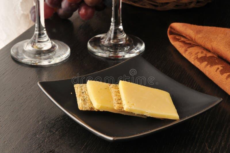 Download Kaas en crackers stock afbeelding. Afbeelding bestaande uit snack - 39117057