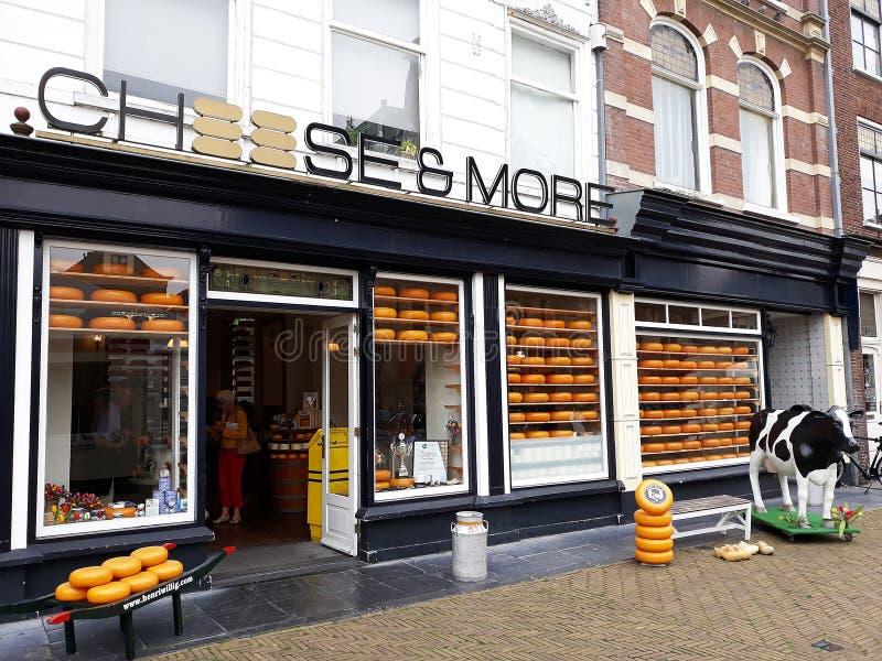 Kaas en Meer Winkel, Edammer kaaswinkel in Delft, Nederland royalty-vrije stock afbeeldingen