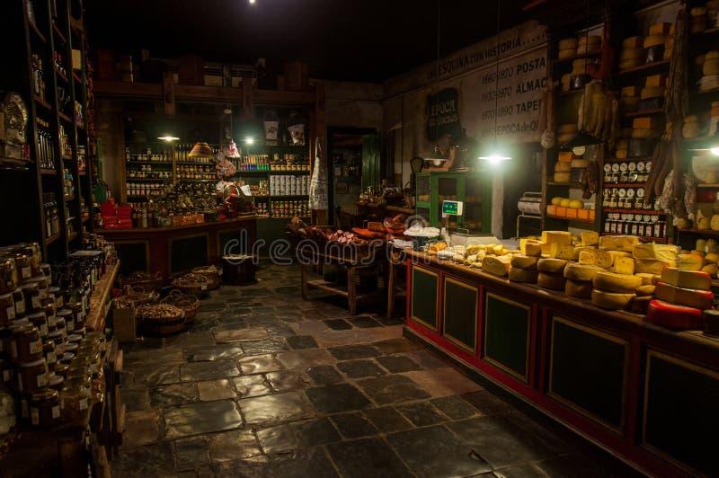 Kaas en vlees de minnaars zullen niet teleurgesteld worden in Tandil, Argentin stock afbeelding