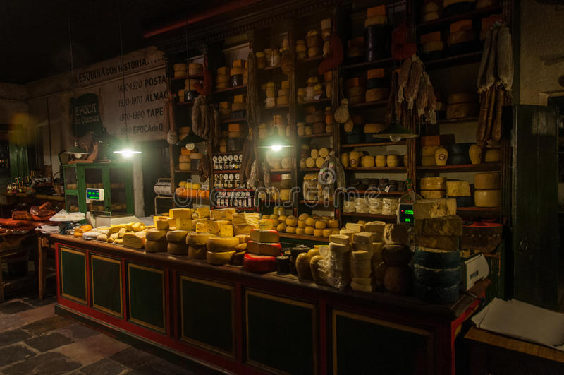 Kaas en vlees de minnaars zullen niet teleurgesteld worden in Tandil, Argentin royalty-vrije stock foto