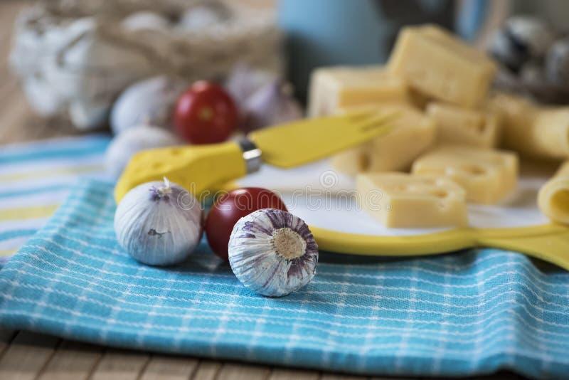 Kaas, knoflook, melk, zure room stock foto