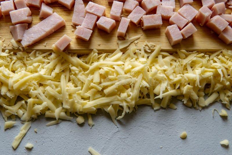 Kaas op een houten raad royalty-vrije stock fotografie