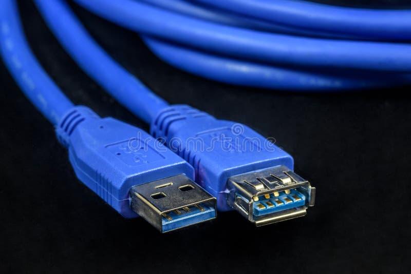 Kabel för den anslutningsUSB proppen och håligheten fotografering för bildbyråer