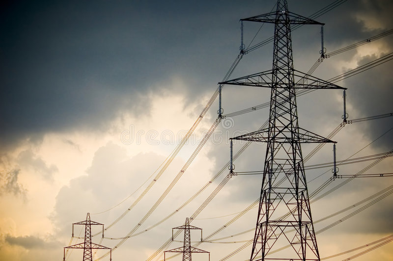 Download Kabel moc obraz stock. Obraz złożonej z niebo, władza, pilony - 144589