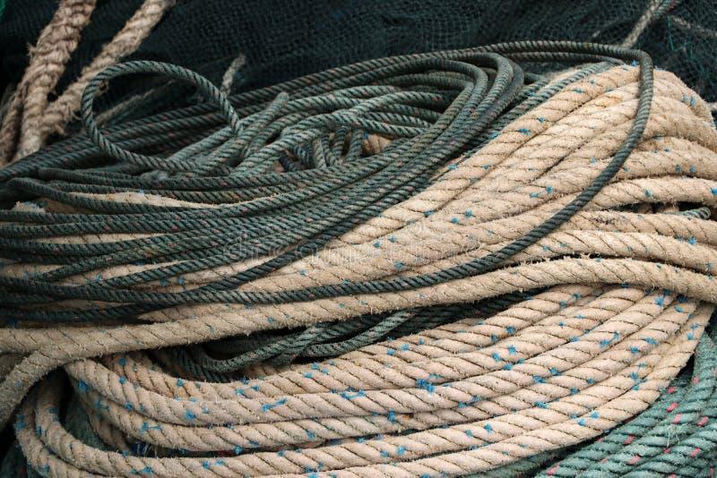 Kabel voor het slepen in de vissersboot royalty-vrije stock foto's