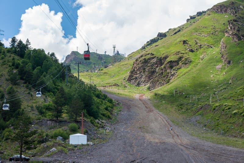 Kabelbaan aan Elbrus royalty-vrije stock foto's